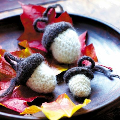 idée activité manuelle automne diy glands crochet laine