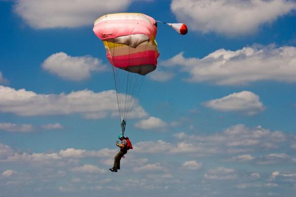 idée de cadeau d'anniversaire pour homme saut en parachute