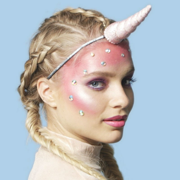 maquillage facile pour halloween femme licorne