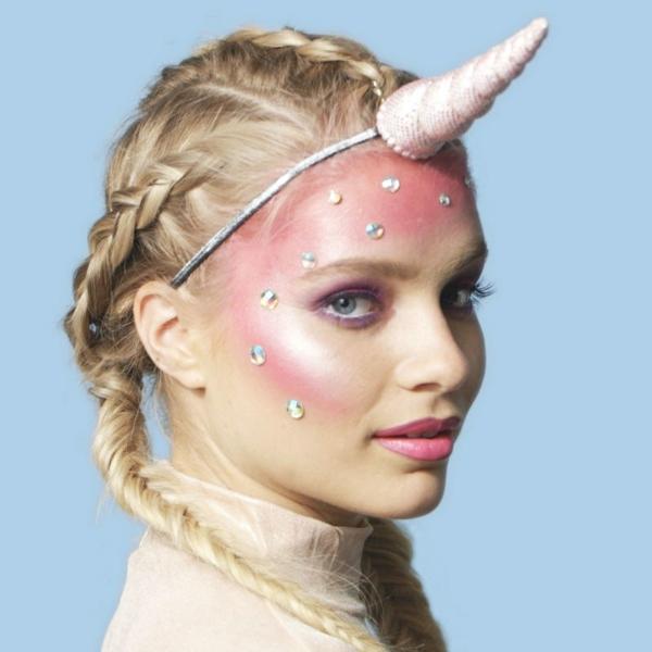 maquillage facile pour halloween femme licorne