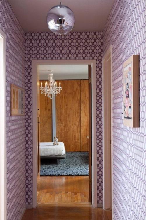 papier peint couloir couleur lilas