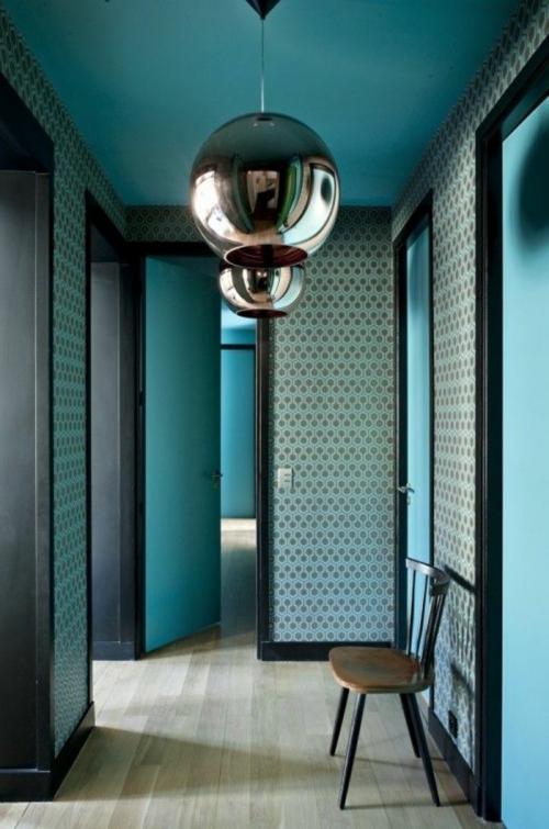 papier peint couloir des abat-jour reflétants