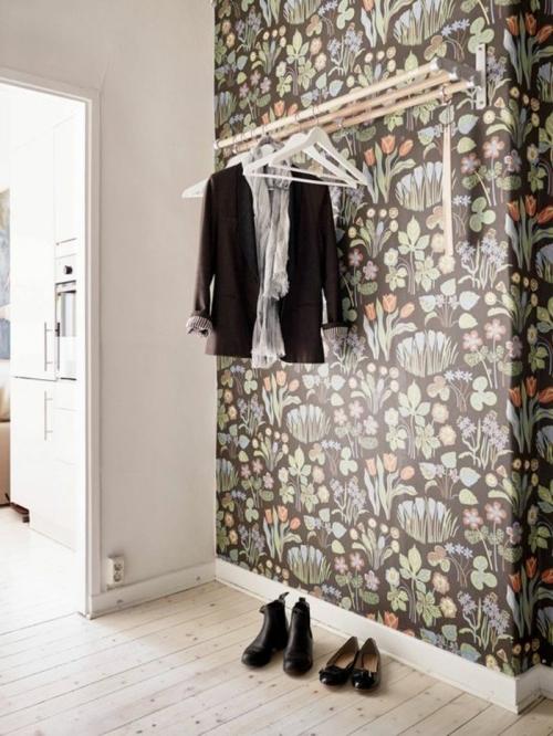 papier peint couloir petit espace sol en planches