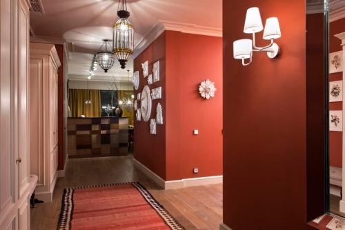 Peinture couloir moderne est ce qu il y a des couleurs - Couleur de peinture pour couloir ...