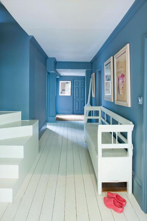 peinture couloir moderne sol en planches blanches