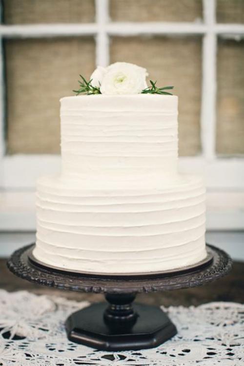 pièce montée mariage blanc à deux étages