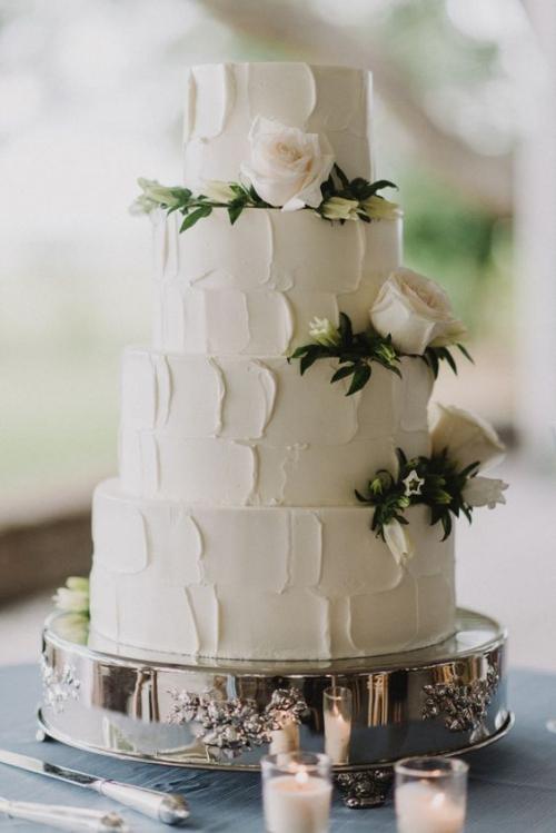 pièce montée mariage quatre niveaux du gâteau