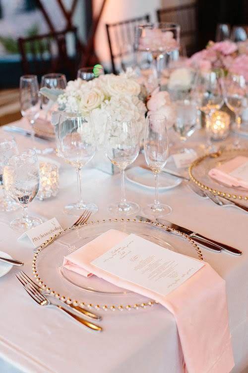 pliage serviette mariage bouquets de roses