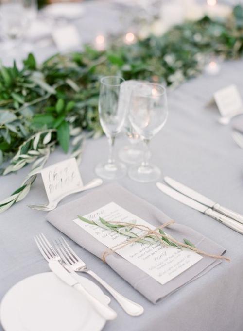 pliage serviette mariage couleur grise