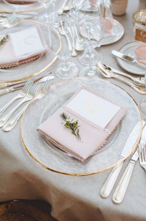 pliage serviette mariage table ronde