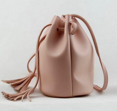 b029143780 Le sac seau en cuir : tuto DIY pour un accessoire tendance