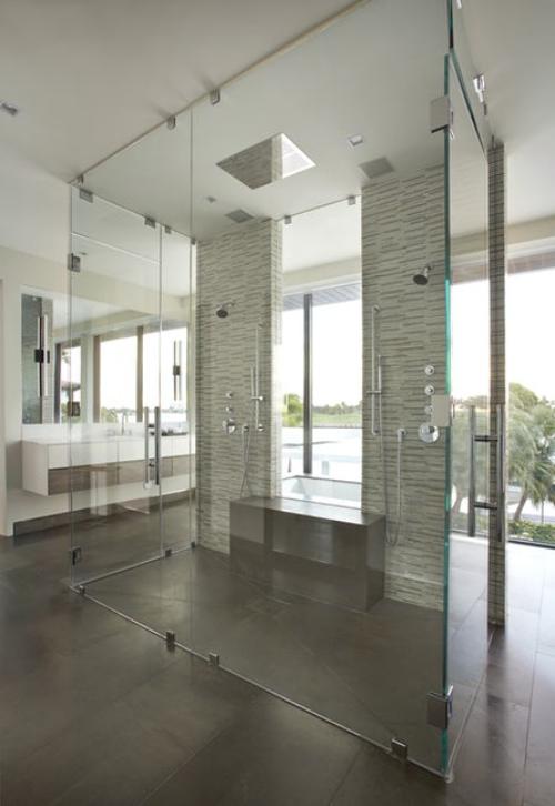 salle de bains avec suites deux douches