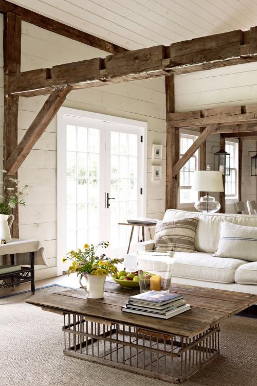 salon confortable pièce dans une ferme ancienne