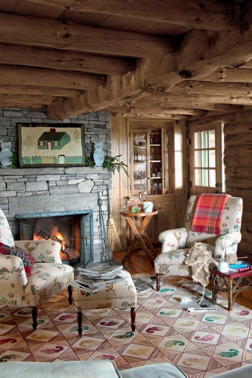 salon confortable vieille cabane rénovée