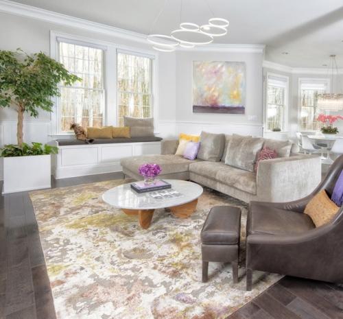 salon couleurs pastel grand espace