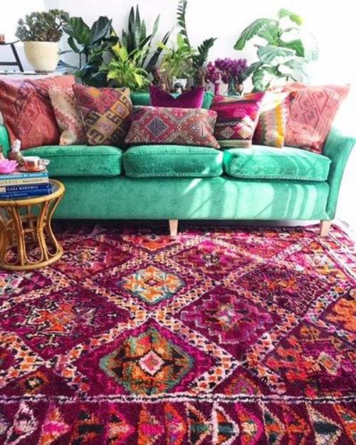 tapis marocain canapé en couleur bleu vert