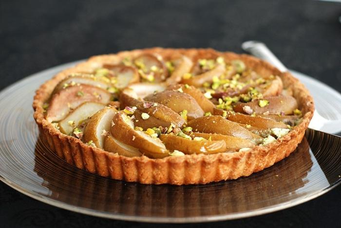tarte amandine aux poires et pistaches