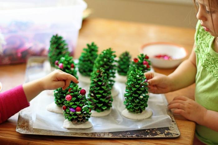 activité pour les enfants diy création avec des pommes de pin