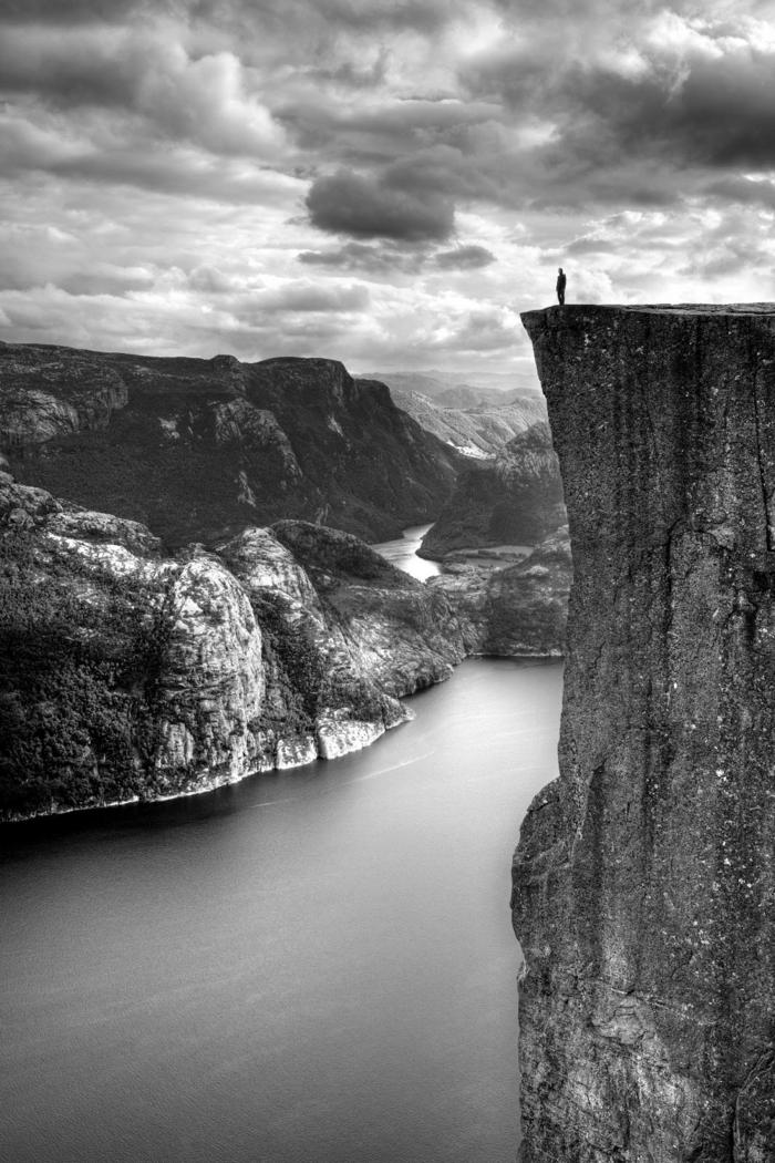 au sommet photographie noir et blanc
