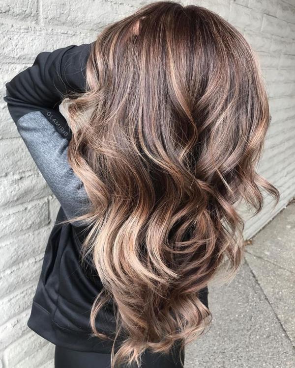 balayage pour brune cheveux marron clair