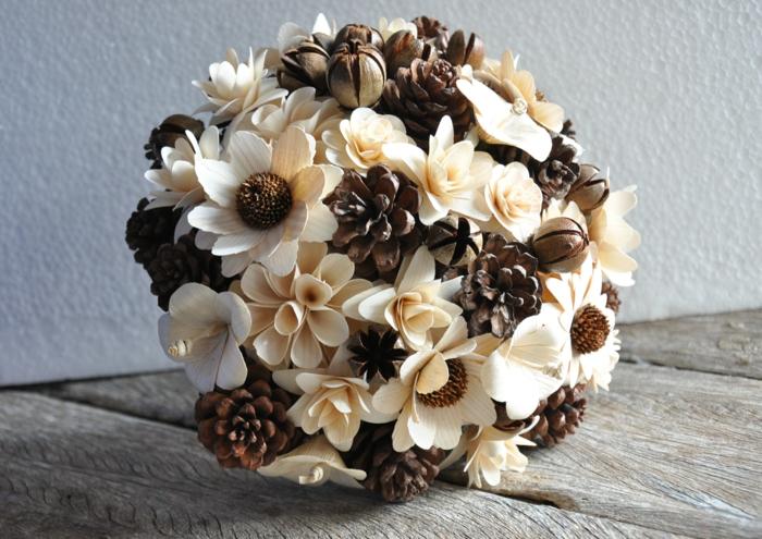 bouquet mariée création avec des pommes de pin