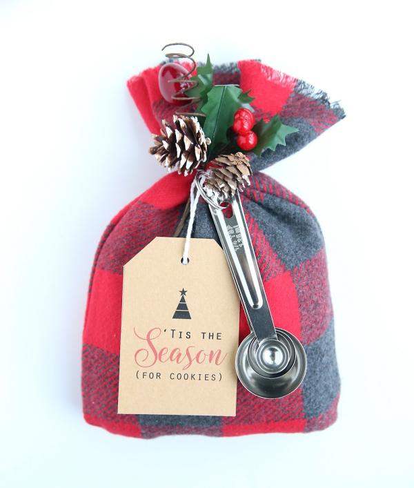 cadeau Noël à faire soi-même une bourse avec des biscuits