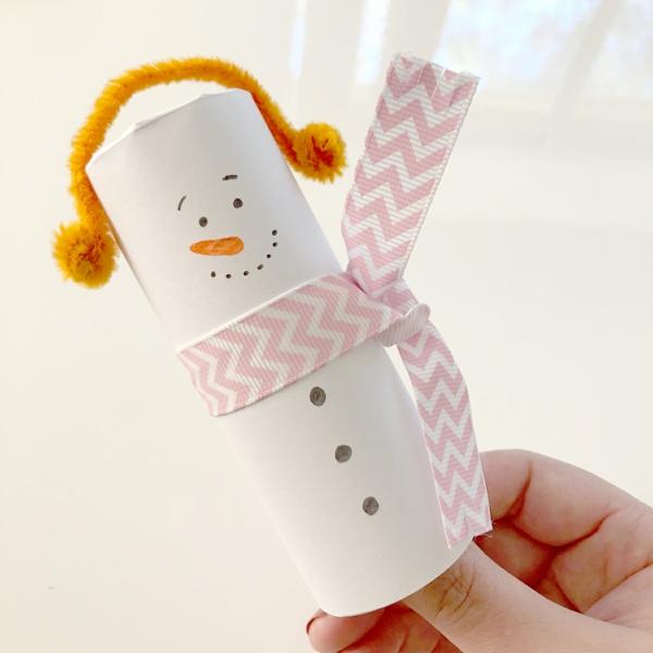 cadeau de noël maman à faire soi-même déco rouleau papier toilette