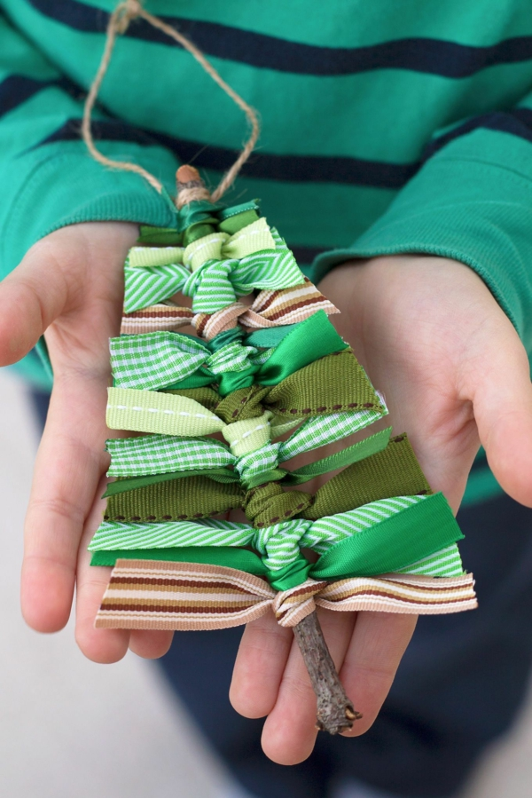 cadeau de noël maman à faire soi-même ornement de noël bois et tissu