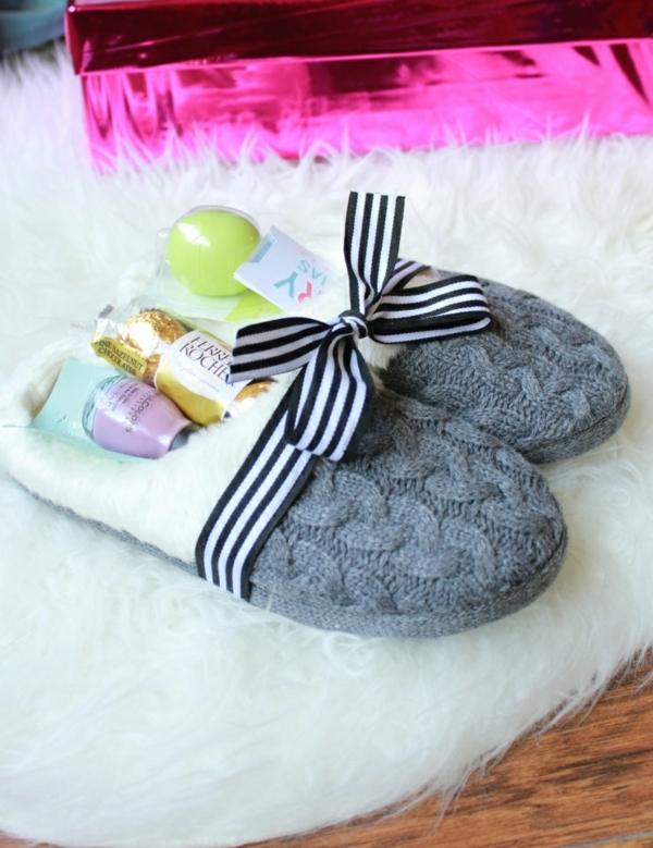 cadeau de noël maman à faire soi-même pantoufles avec surprises