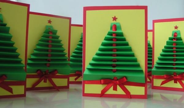 carte de Noël personnalisée une forêt de sapins verts