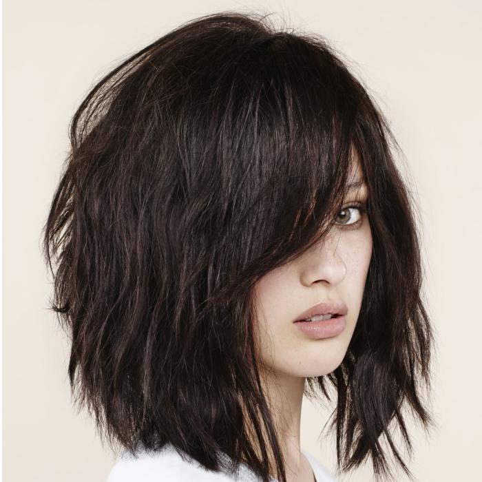 cheveux bruns coupe moderne carré dégradé
