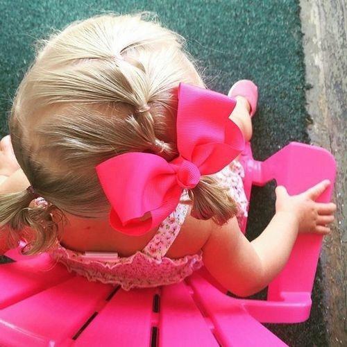 coiffure bébé fille multi-queue de cheval