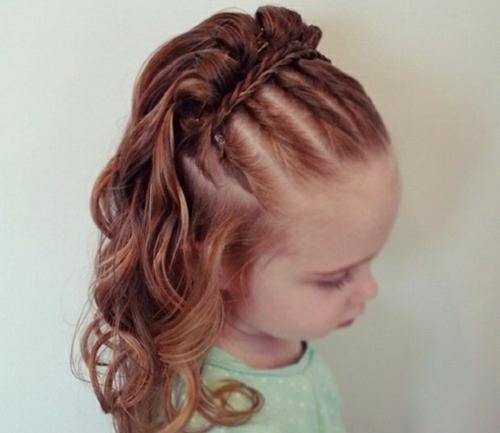 coiffure bébé fille torsades plates avec bande tressée