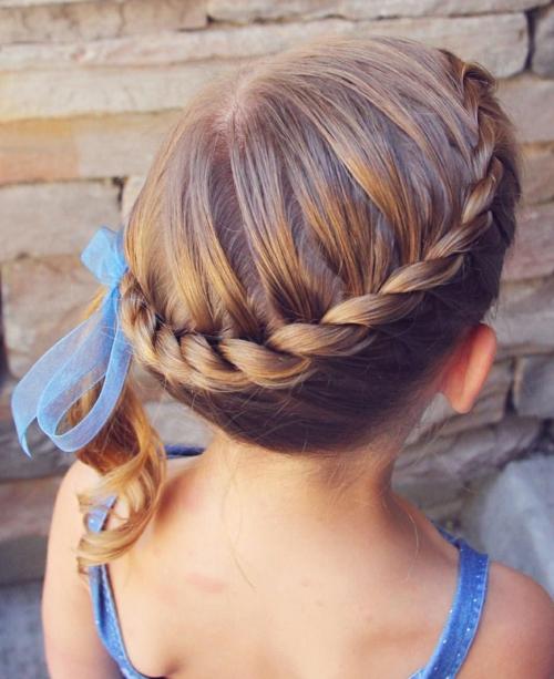 coiffure bébé fille tresse couronne