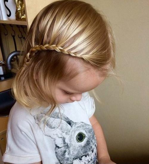 coiffure bébé fille tresses hollandaises latérales