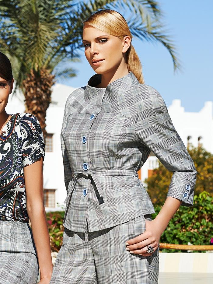 costume moderne idée veste carreaux femme