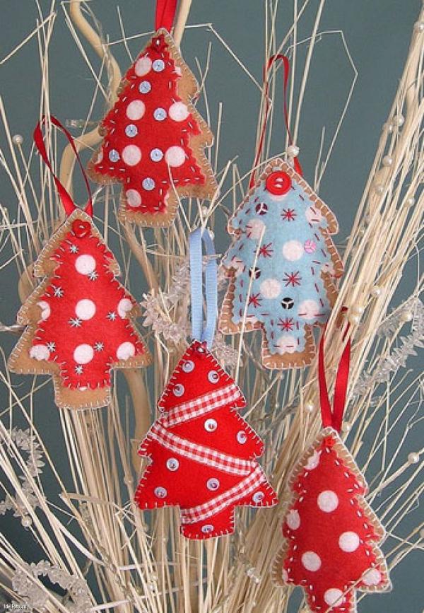 déco Noël à fabriquer en tissu brindilles décorées