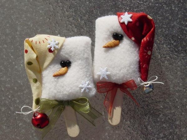 déco Noël à fabriquer en tissu chapeaux aux grelots