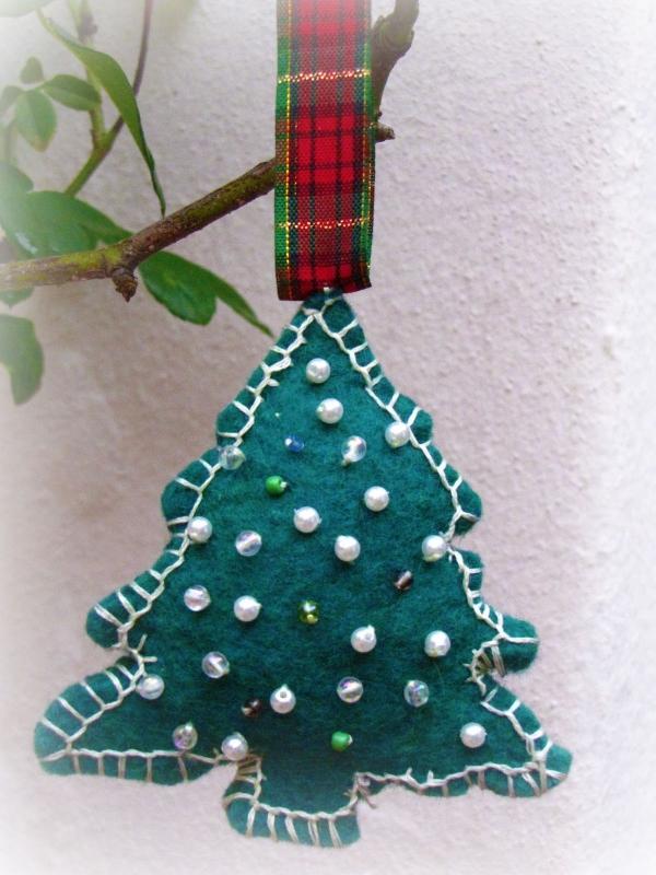 déco Noël à fabriquer en tissu un sapin en tissu vert