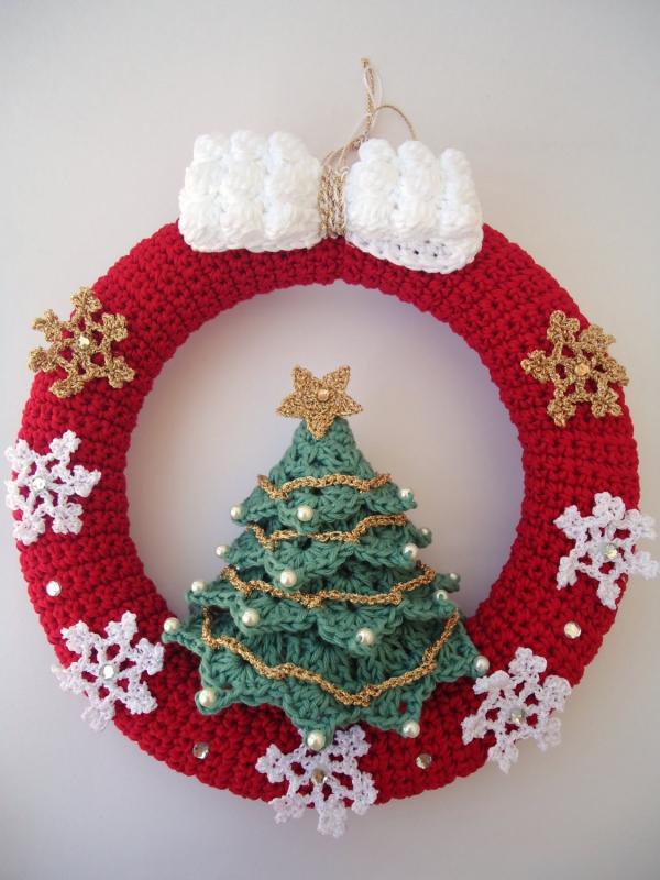 déco Noël au crochet une couronne rouge