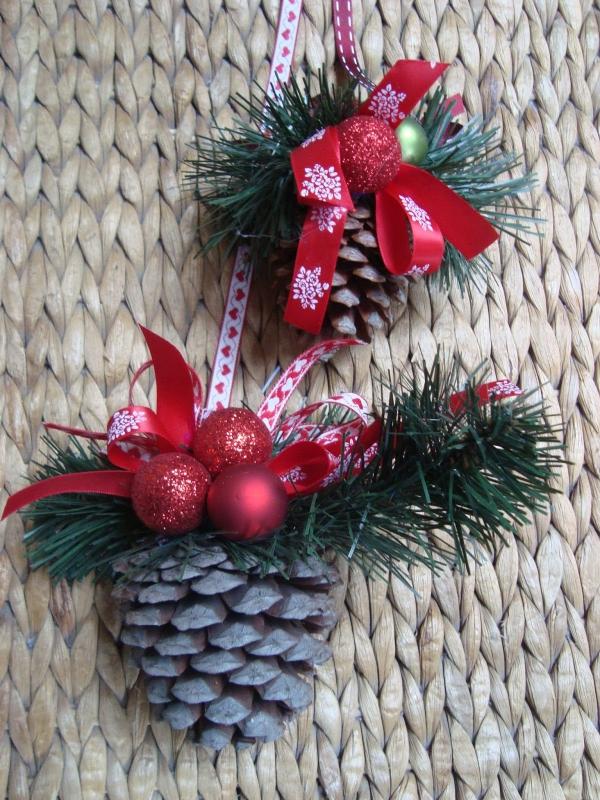 déco Noël pomme de pin petites cloches