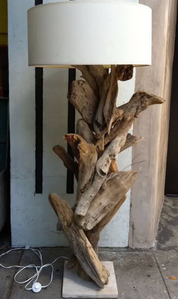 déco bois flotté un lampadaire original