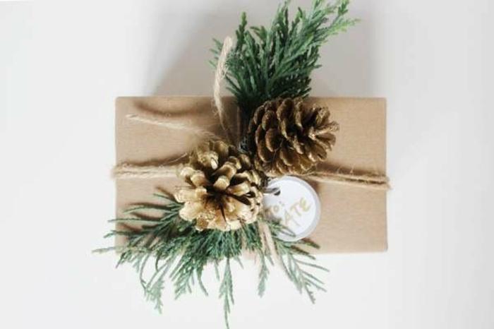 déco cadeau isée création avec des pommes de pin