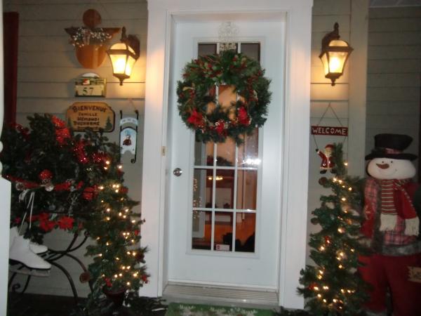 décoration Noël une porte accueillante