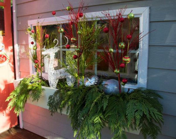 décoration de Noël fenêtre au rez-de-chaussée