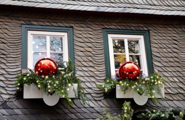 décoration de Noël fenêtre deux décos pour deux fenêtres