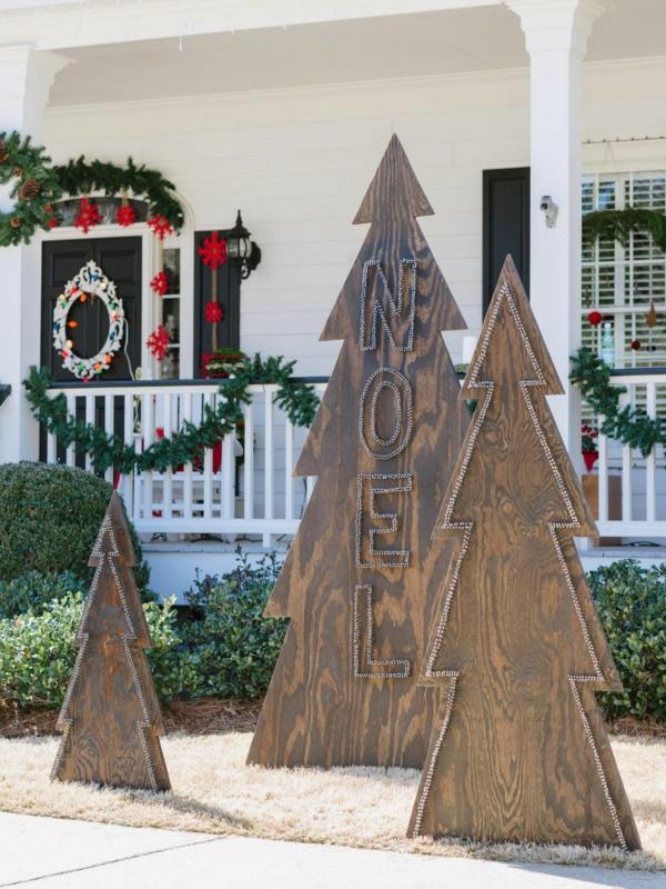 décoration de noël extérieur arbre en bois