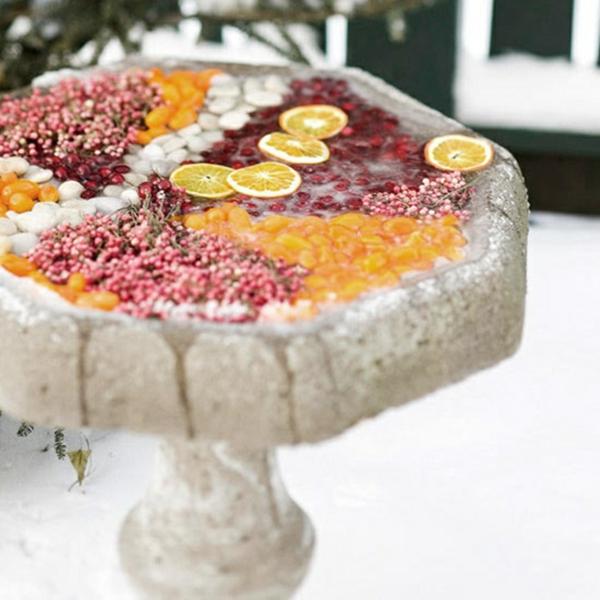décoration de noël extérieur bain d'oiseaux fruits