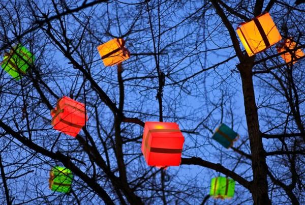 décoration de noël extérieur boîtes cadeaux lumineuses