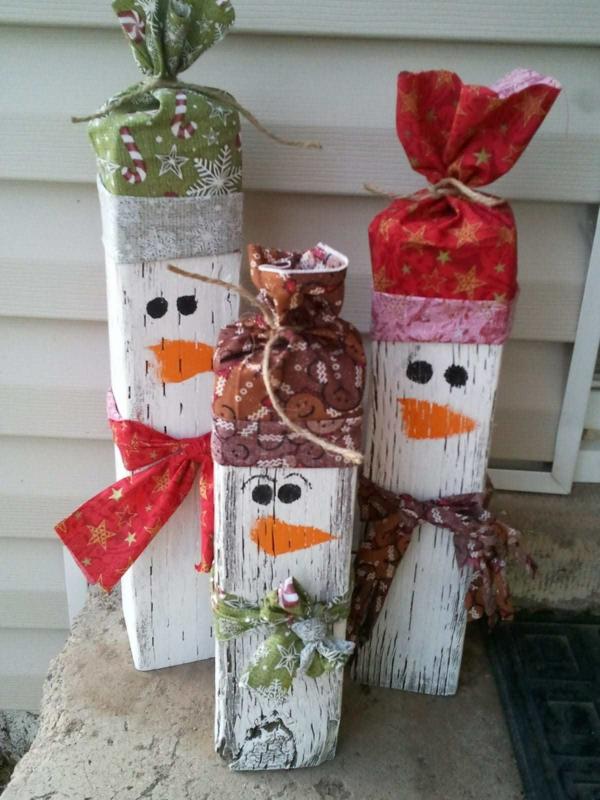 décoration de noël extérieur bonhomme de neige en bois